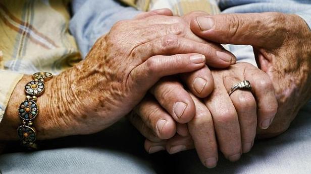 ancianos-mujeres-ciencia--644x362